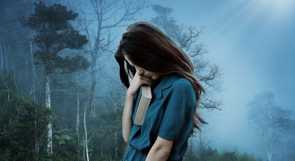 sms a básně k rozchodu, smutná dívka po rozchodu